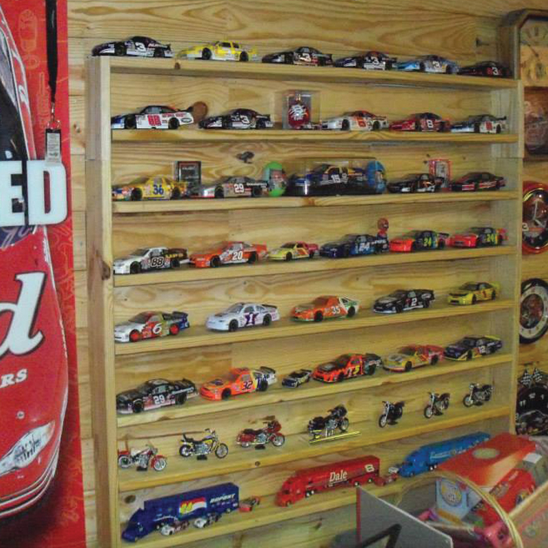 DIY Wooden Pallet Man Cave - Custom NASCAR Display